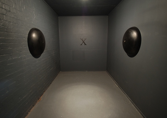 Kiss-X (installation view)