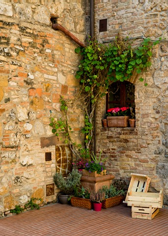 A few simple things put together to create a scene in San Gimignano