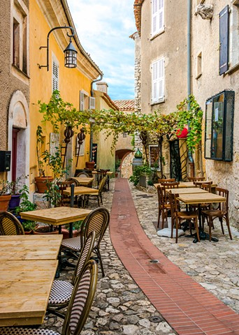 Alley Restaurant in a medieval town in the South of France