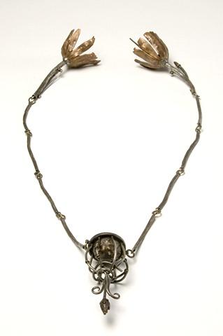 neckpiece