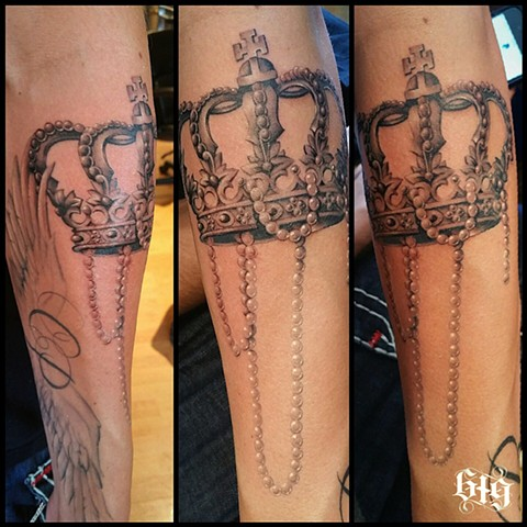 Black grey Gray Crown and Pearls, part of a sleeve Southern California. San Diego, North Park, Pacific Beach, Mission Beach, City Heights, Hillcrest, El Cajon, Portland Oregon, Edinburgh Scotland, Ocean Beach