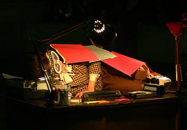 Businesswoman Desk Bed