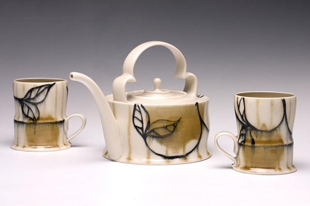Tea Pot with Cups