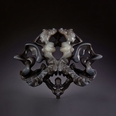 Cameo Rorschach II, Brooch