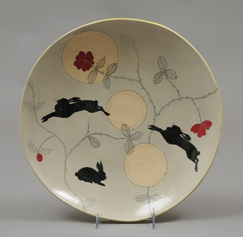 plate with jumping rabbits