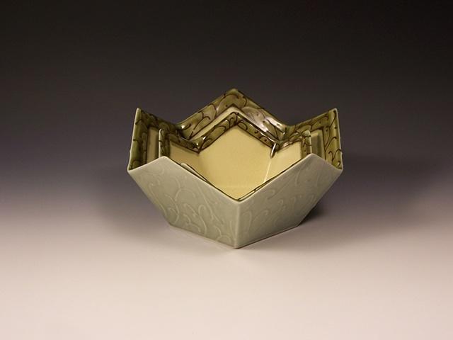 nesting pentagonal bowls