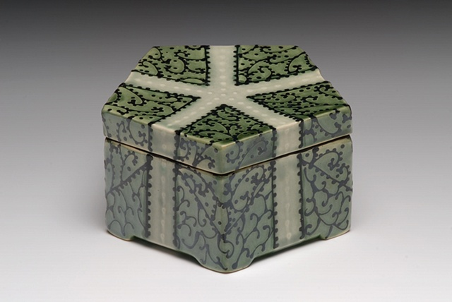 medium pentagonal box