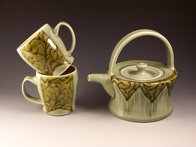 Flattop teapot and cups