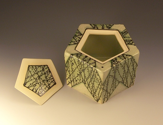 pentagonal box with knob open view