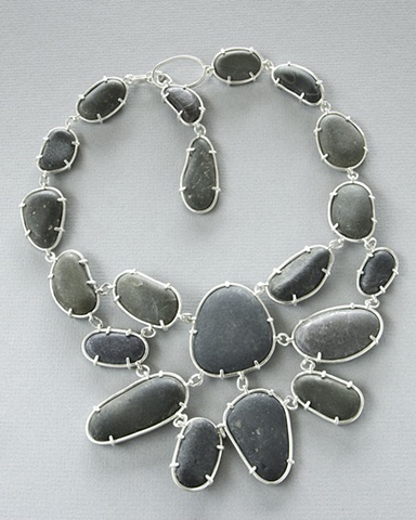 Black rock neckpiece