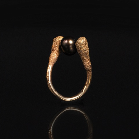 Chocolate/Caramel Q-Tip & Pearl Ring