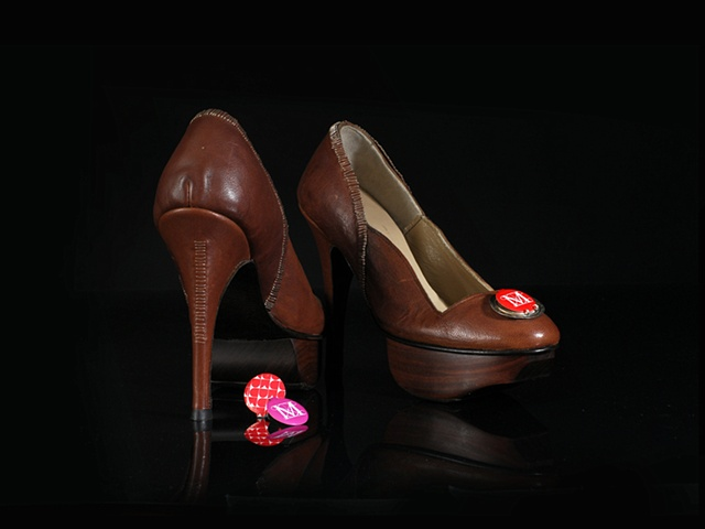 Handmade Bottle Cap Pumps with replaceable museum pins