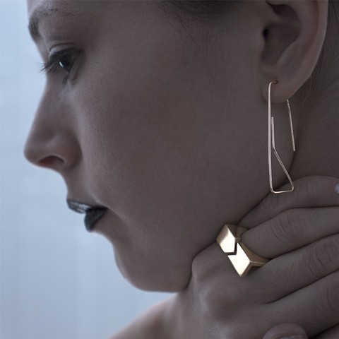 Elsa Hedberg GEONEO Paperclip Earring