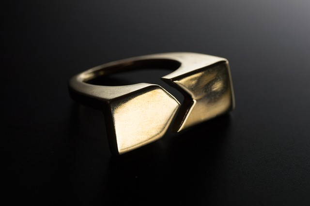 ELSA PLAY Adjustable Fold Cocktail Ring Gold Plated Bronze