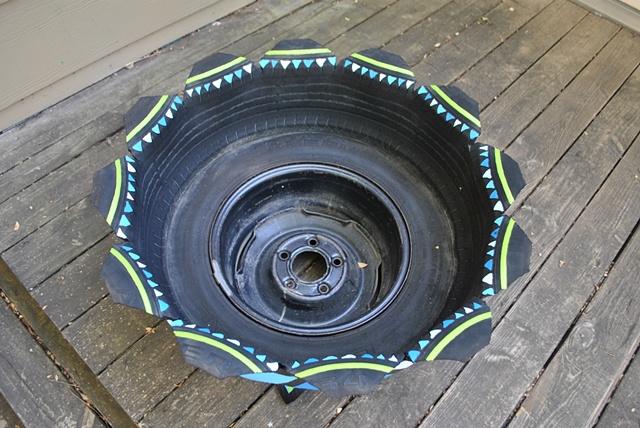 Pedestal Tire