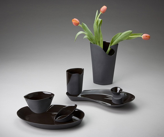 Black Vase & 2 Tableware Settings