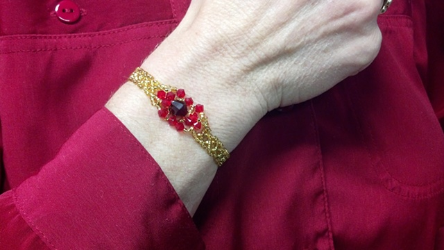 Ring pattern made into Bracelet by Jean taught by Peggy