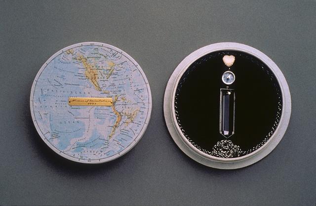 Neckpiece in presentation box
