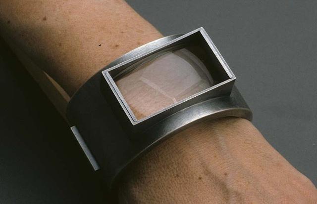 Skin: Arm, bracelet