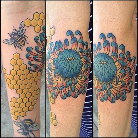 Honeycomb/Flower/Bee