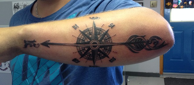 COMPASS ROSE/ARROW