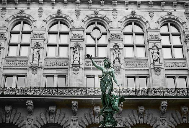 Rathaus Innenhof ~ Hamburg