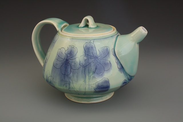 Lithium green teapot with blue engobes