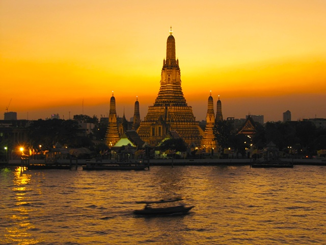 Wat Arun, Temple of the Dawn (at sunset)  Bangkok, Thailand