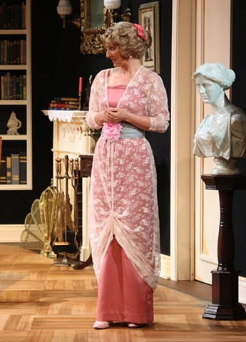 Angie Atkinson as Henriette.
