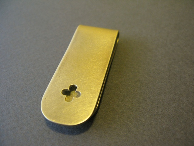 quatrefoil money clip