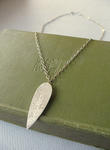 single thorn necklace