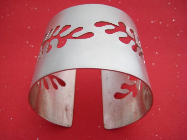 Matisse Inspired Seaweed Cuff v2