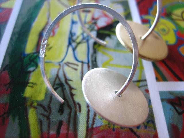 jewelry, earring, piercing, ear, sterling silver, gold, disc, modern, metalwork, wire, hoops, sandblasted, metal