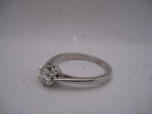6Claw Engagement Ring