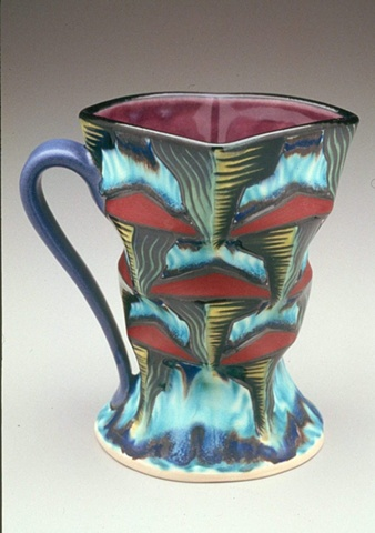 Cup with pinched foot