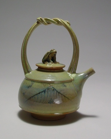 Small frog teapot