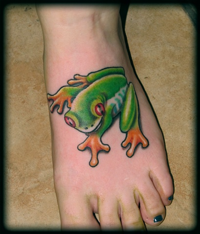 tree frog on foot tattoos crucial tattoo studio salisbury maryland ocean city md delaware