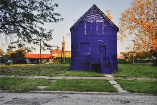 Economist - Painting the town purple, A colourful way of bringing attention to South Side Chicago