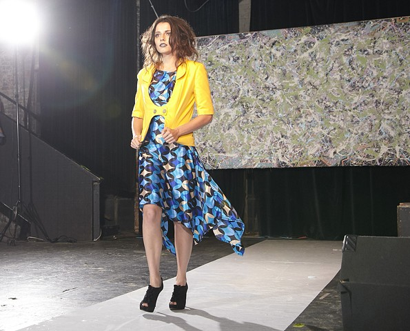 Look 1 fashion show 2