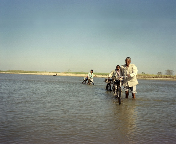 Crossing the river to village outside Dhampur, Uttar Pradesh