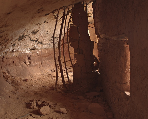555 Apr 2010 Utah 591-97 HDR Anasazi Cave Dwelling