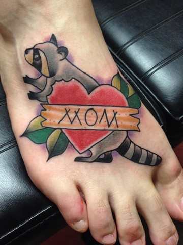 raccoon and heart