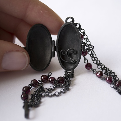 Relicarios Negros Black Lockets Detalle / Detail