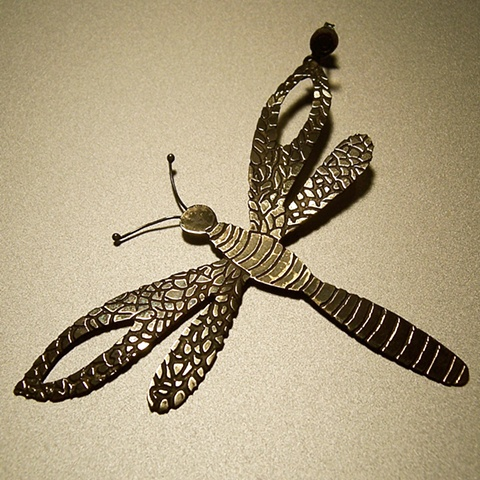 Dragonfly Solitary / Solitario de Libelula