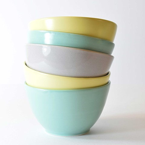 Dessert bowls in green, grey and yellow. Generous size, 15cm across (6 inches).