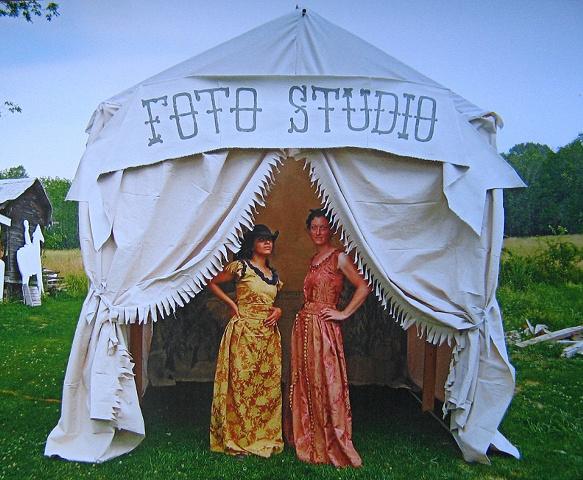Tent Laetitia & Melora, Germantown, 2010
