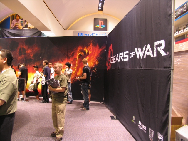 Gears of War - Back of Autograph Line