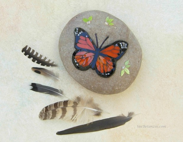 Monarch butterfly, mosaic butterfly, mosaic stone, garden mosaic, Sue Betanzos