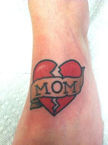 mom heart on foot