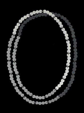 Pearl Chain Grey Gradient